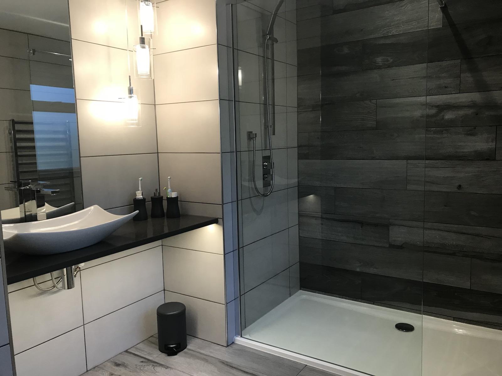 Lakeland Building Group Bathroom Plumbing